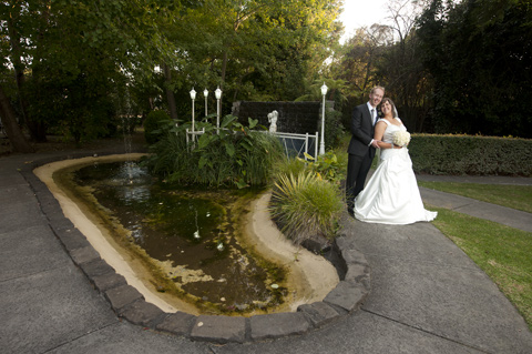 Wedding Photography of Melbourne bridal couple at Bram Leigh water pond